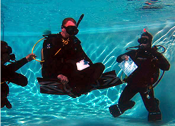 ken teaching advanced diver course